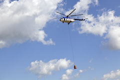 Lasthelikopter Arkivfoto