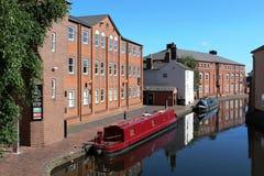 Lastkähne machten auf Kanal im Birmingham-Stadtzentrum fest Lizenzfreie Stockfotografie