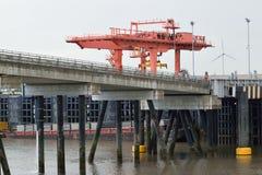 Lastningsbrygga Crane Loading Container Royaltyfri Fotografi