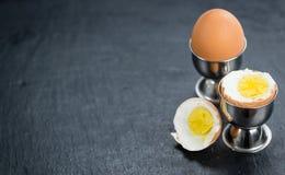 Lastra dell'ardesia con gli uova sode Immagine Stock Libera da Diritti