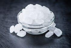 Lastra dell'ardesia con lo zucchero della roccia Immagini Stock Libere da Diritti