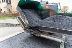 Lastricatore dell'asfalto nella costruzione di strade - primo piano Fotografia Stock