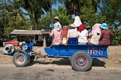 Lastwagenaufnahme dient als öffentliche Transportmittel Stockbilder