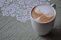 Laszowanie czas z kawą obraz stock