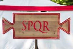 LatÃn d'en de cartel S P Q r Senatus PopulusQue Romanus photos stock