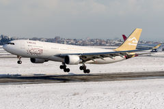 5A-LAT libyska flygbolag, flygbuss A330 - 200 Royaltyfri Fotografi