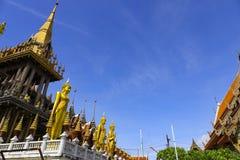 Lat Phrao Wat расположенное на Ladprao Wanghin Rd, Lat Phrao Khwaeng, стоковая фотография rf