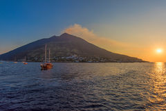 Lat vulcano fotografering för bildbyråer