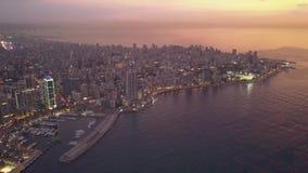 Latać nad Bejrut Zaytunay zatoki śródmieściem i marina Trute? antena strzela? Bejrut, Liban, podczas zmierzchu zbiory wideo