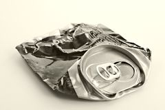 Lata de cerveja esmagada Imagem de Stock