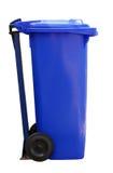 Lata de lixo azul Imagens de Stock