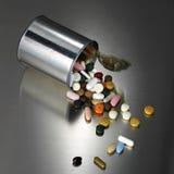 Lata do comprimido Imagem de Stock Royalty Free