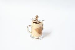 Lata feito à mão dedal de madeira com lata Foto de Stock