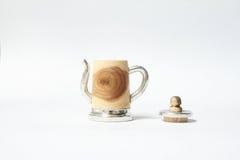 Lata feito à mão dedal de madeira com lata Fotografia de Stock Royalty Free