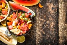 Lata jedzenie sałatka tropikalne owoc Fotografia Royalty Free
