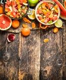Lata jedzenie sałatka tropikalne owoc Obraz Stock