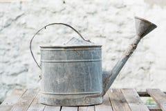 Lata molhando velha Foto de Stock