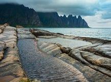 Lata Senja wybrzeże Szczerbił Ersfjord, Norwegia, biegunowy fotografia royalty free