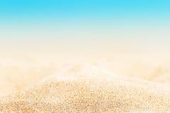 Lata tropikalny tło z piaskiem, morzem i niebem, Lato ca Obrazy Stock