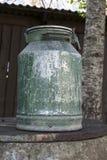 Lata velha do leite do metal Fotos de Stock