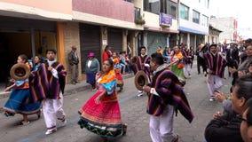 Latacunga, Ecuador - 20180925 - Paare tanzen in Mutter Negra Parade stock video footage