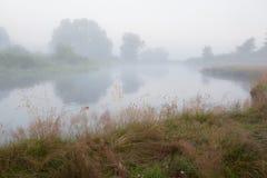 latająca mgłowa piękna pogoda rano rzeki Zdjęcia Stock