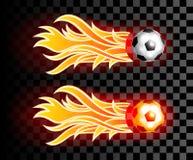 Latająca piłki nożnej piłka z czerwonym ogieniem płonie na ciemnym przejrzystym bac Zdjęcia Royalty Free