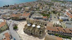 Latający nad Larnaka centrum miasta, Cypr Widok z lotu ptaka świętego Lazarus kościół zbiory