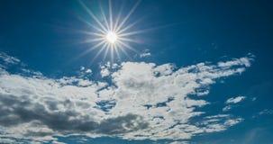 Lataj?ce cumulus chmury, pi?kny chmura czasu up?yw, wideo p?tla zdjęcie wideo