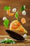 Latającego Krewetkowego czosnku tandetna pizza Obrazy Stock