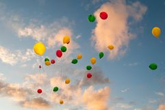Latający Kolor Baloons Ja Fotografia Royalty Free