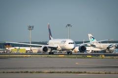Latam Boeing 787 aan het begin van baan Stock Afbeelding