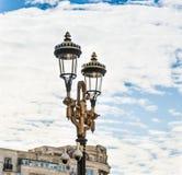 Latarni ulicznej pozycja na bulwarze Corneliu Coposu w Bucharest mieście w Rumunia Fotografia Stock