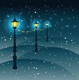 Latarni ulicznych Bożenarodzeniowe dekoracje w opadzie śniegu, wektor Fotografia Royalty Free