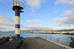 Mała latarnia morska blisko Punta Mujeres miasteczka, Lanzarote wyspa, Cana Obraz Stock