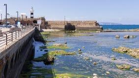 Latarnia morska i forteczna ściana Obraz Stock