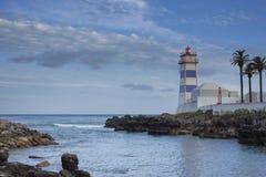 Latarnia morska i wybrzeże Cascais zdjęcia stock