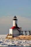 Latarnia morska na słonecznym dniu w zimie obrazy stock