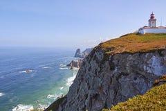 Latarnia morska przy przylądkiem skała zdjęcie royalty free