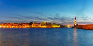 Latarnia morska przy zmierzchem, Chania, Crete, Grecja Zdjęcie Stock