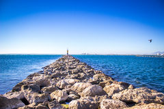 Latarnia morska, róże, Spain zdjęcie royalty free