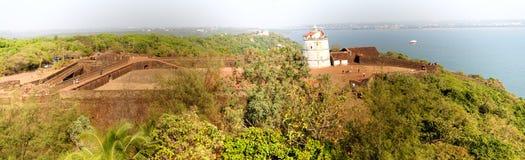 Latarnia morska w Aguada forcie, lokalizować blisko Sinquerim plaży, Goa Obraz Stock