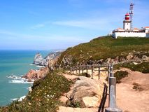 Latarnia morska w Cabo da Roca blisko Sintra, Portugalia, kontynentalny Europe's westernmost punkt Fotografia Royalty Free