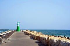 Latarnia morska w dennej zatoce Zdjęcie Stock