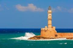 Latarnia morska w starym schronieniu, Chania, Crete, Grecja Zdjęcia Stock