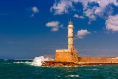 Latarnia morska w starym schronieniu, Chania, Crete, Grecja Zdjęcie Stock