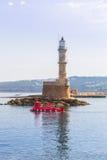 Latarnia morska w starym schronieniu Chania na Crete Fotografia Royalty Free