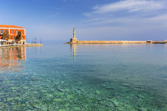 Latarnia morska w starym schronieniu Chania na Crete Obrazy Stock