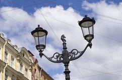 Latarnia uliczna z końską głową i dwa lampami Obraz Royalty Free