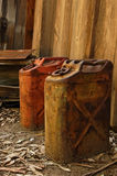 Latas aherrumbradas del gas Foto de archivo